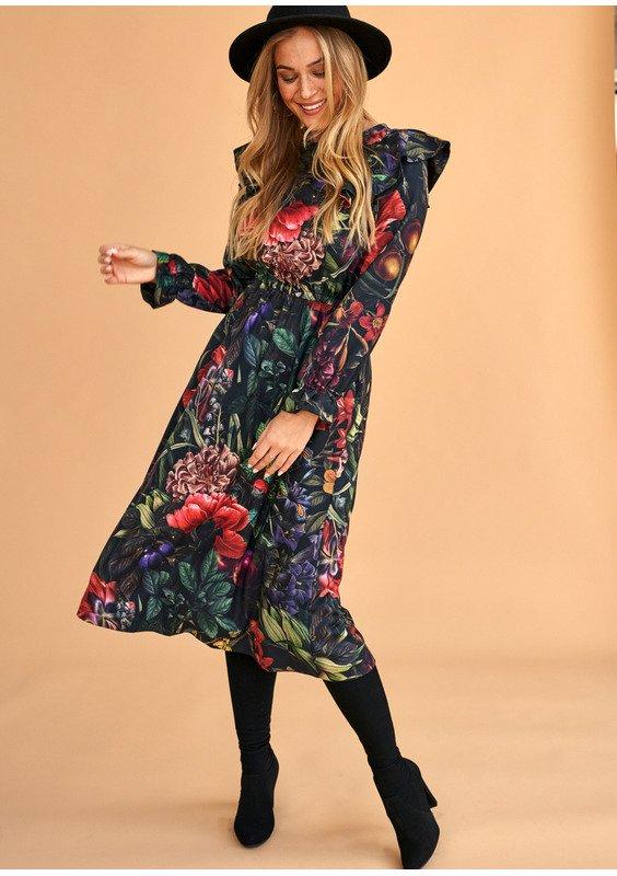 Modne sukienki wieczorowe, czyli kilka propozycji będących hitem 2020 roku