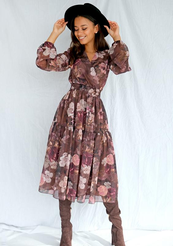 Jaką sukienkę wybrać, aby ukryć wystający brzuch?