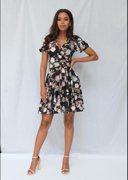Rozkloszowana sukienka krótkim rękawem rose print