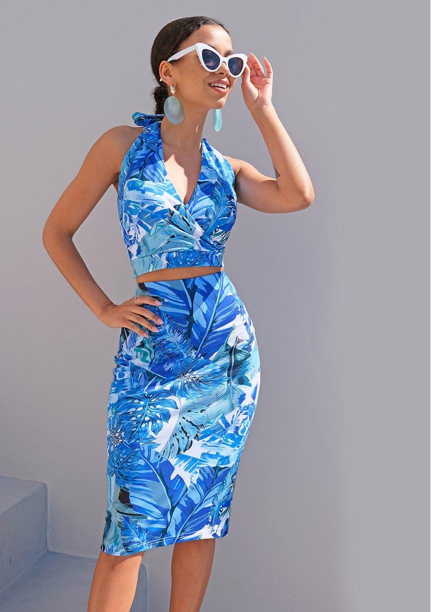 Rodzaje dekoltów a typ sylwetki - jak dobrać odpowiednią sukienkę lub bluzkę